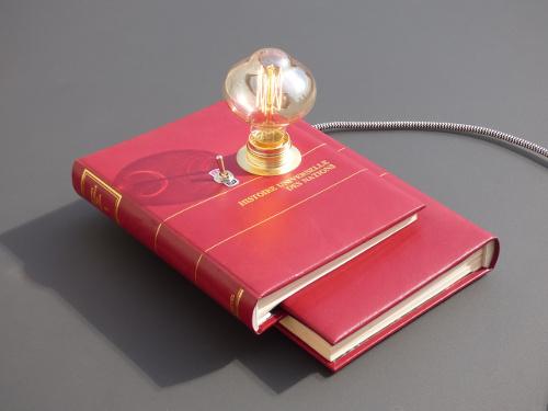 Lampe Livre Histoire